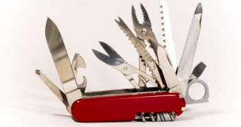 pocket-knife-1417866-1279x850